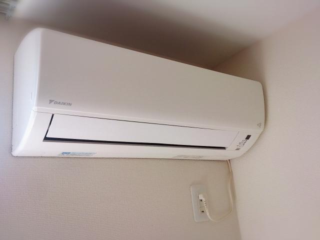 意外に知らないエアコンの節約術!つけっぱなしの方が安い場合が多い!